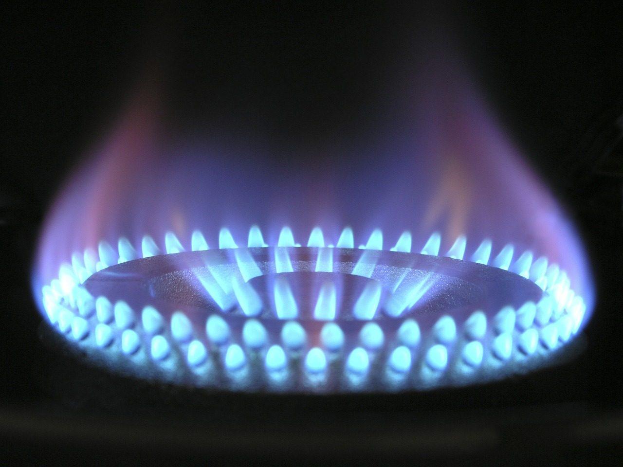 flame-580342_1280-7053844