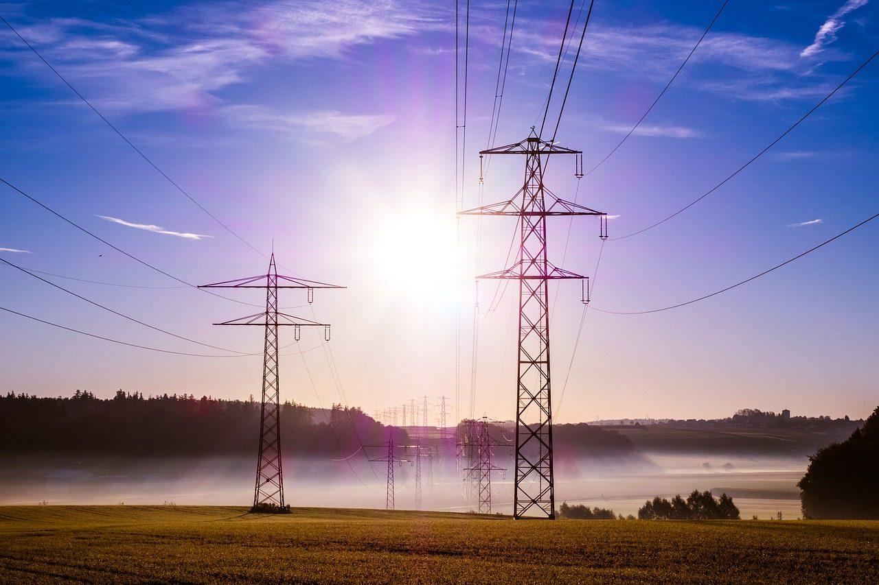 power-poles-503935_1280-4948931